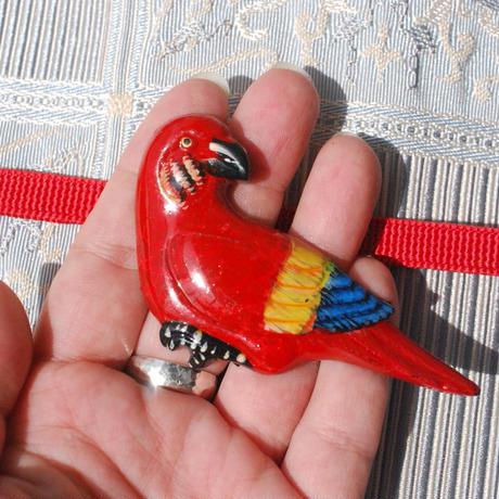 南国の鳥の帯留(赤)