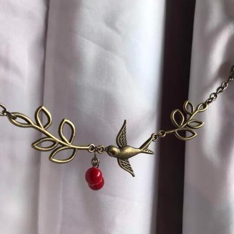 赤い木の実と小鳥の羽織紐①