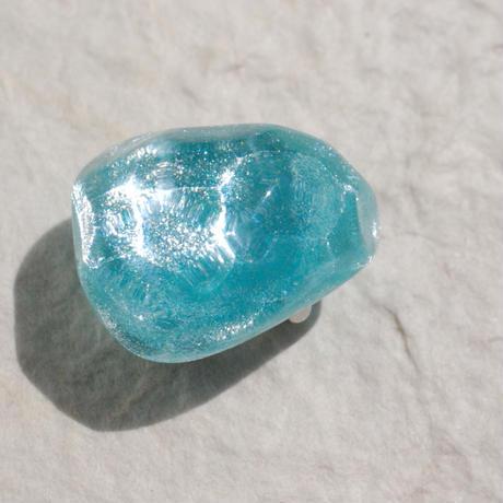 氷石の帯留(エメラルドグリーン)