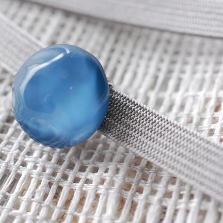 氷石の丸帯留(藍)