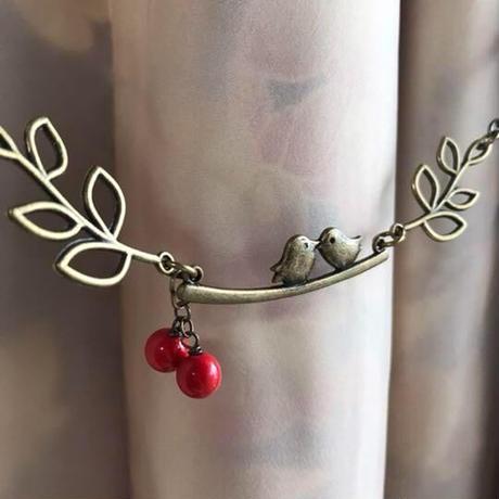 仲良し小鳥と木の実の羽織紐