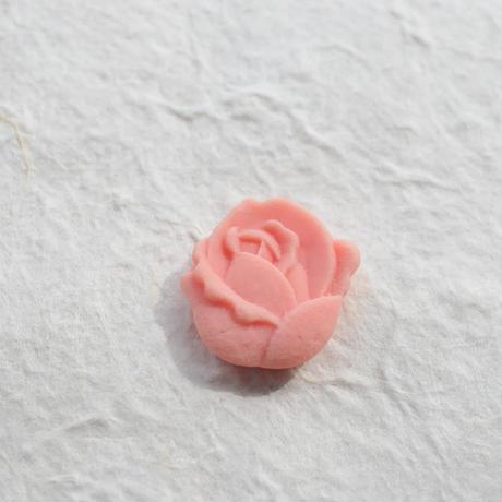 和三盆帯留「バラ」