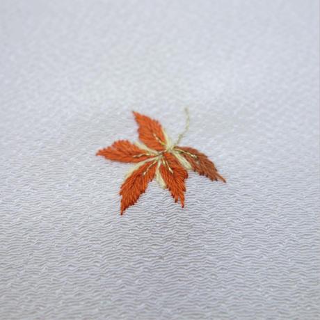 刺繍半衿「紅葉」