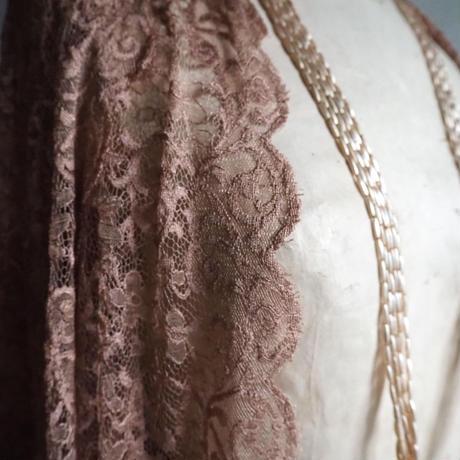 ブロンズカラーのantique lace    2mcut