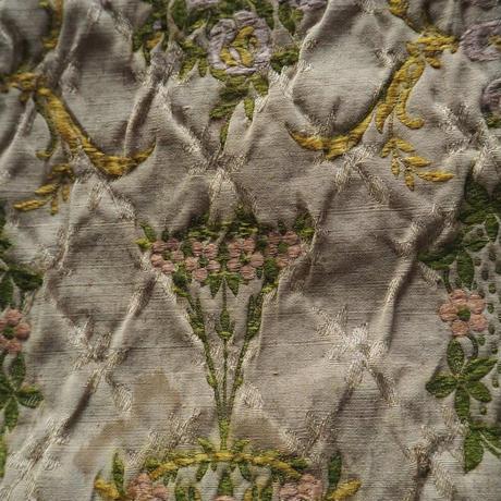 愛らしい織地の美しいマルチカバー