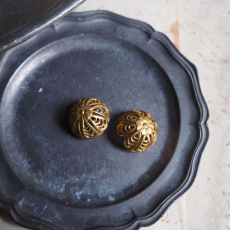des boutons   王冠風