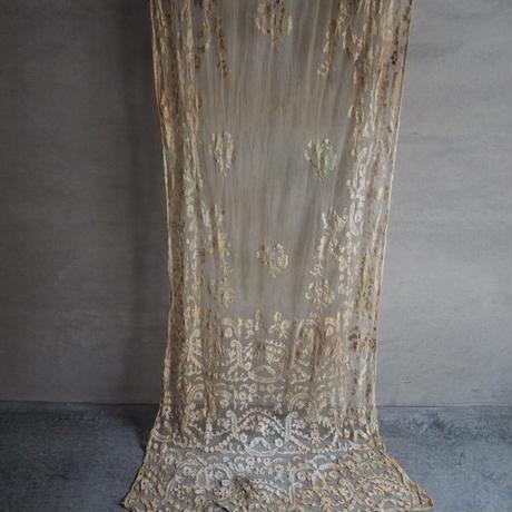 ミルクティー色のtulle brodé  fleurs A