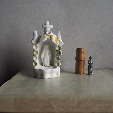 旅先にご一緒してもらうちいさな聖像
