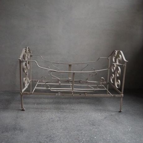 シャビーシックなdoll bed
