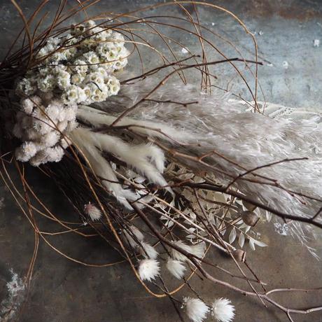 le  bouquet de  fleurs séchées