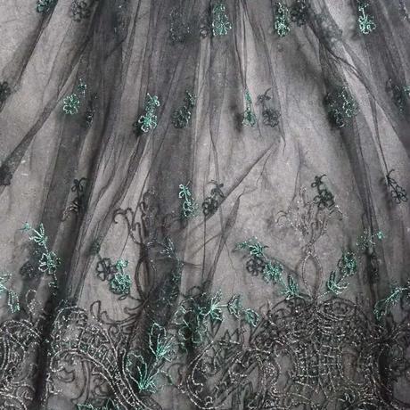 belle jupe brodé des perles