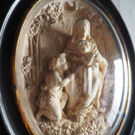 麗しいマリア様母子像 のメダイヨン