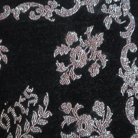 couvreture de mouchoirs brodé