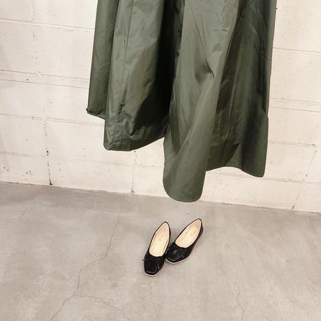 ボリューミー光沢スカート