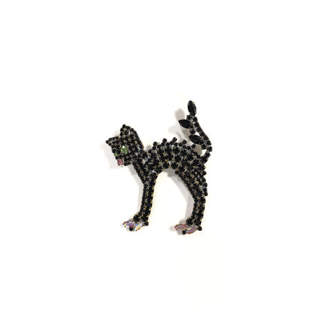 Lilien / Angry cat brooch