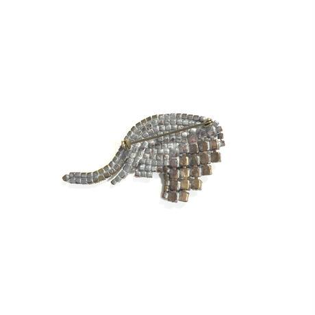 Lilien / Elephant head small brooch