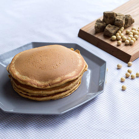 ボンヌ ファリーヌ / 全粒粉のパンケーキ きな粉と黒糖