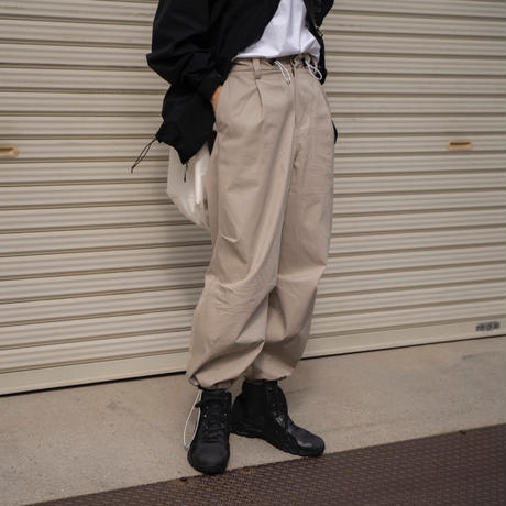 【2.17[wed]20:00‐PRE‐ORDER】VENTILE COTTON DRAWSTRING PANTS (GREIGE)