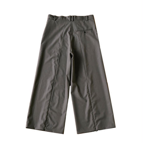【在庫販売】BACK ZIP WIDE STRAIGHT TROUSERS (TAUPE)