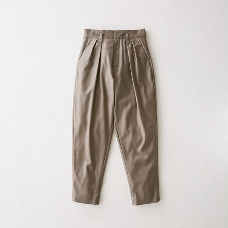 Viegin wool 2 tack tapered slacks  (Greige)
