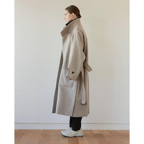 【12.22[tue]20:00‐PRE‐ORDER】STAND COLLAR LAMB WOOL  COAT (GREIGE)