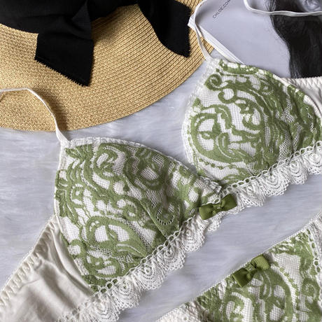 cotton white×moss green color  bralette set up