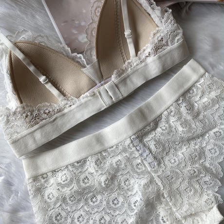 選べるSsize・Msizeパッド付きcircle flower lace bralette white set up