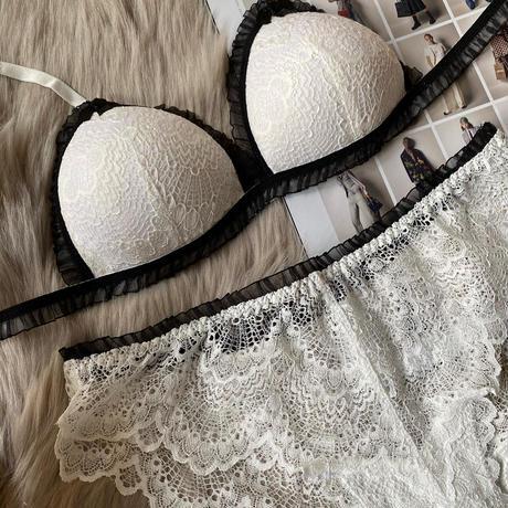 white × black × ribbon set