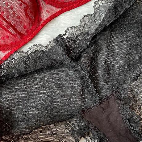 red × black