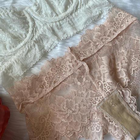 white × pink
