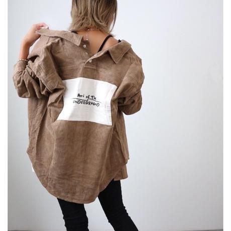 【予約販売9月下旬発送】プリントパッチ付きコーデュロイシャツ【BROWN】