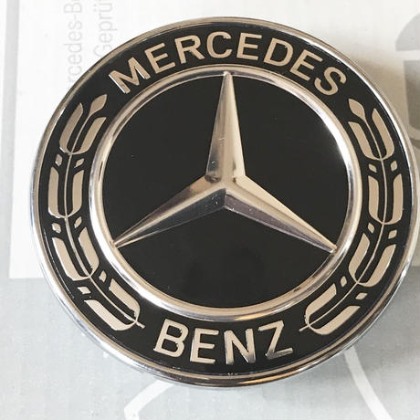Mercedes-Benz 純正品 ブラックローレルリース ボンネットバッチ A0008171601