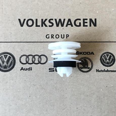 VW ニュービートル 純正 ドアパネル クリップ