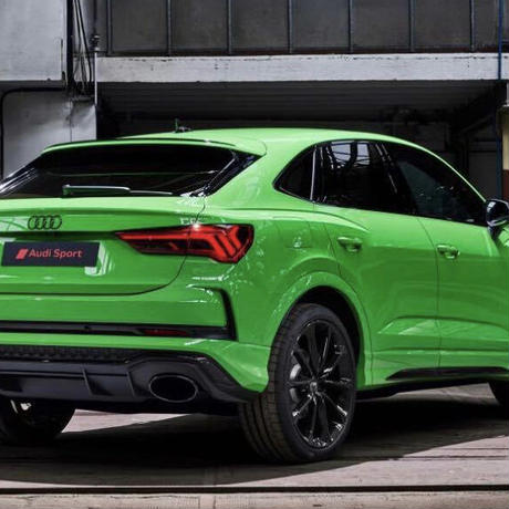 Audi 純正品 RSQ3 F3 ロゴ グロスブラック リアエンブレム