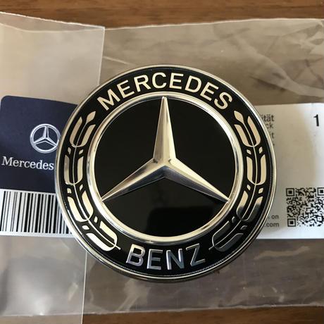 Mercedes-Benz  純正品 ボンネットバッチ(ブラック ローレルリース) W205 A0008171701