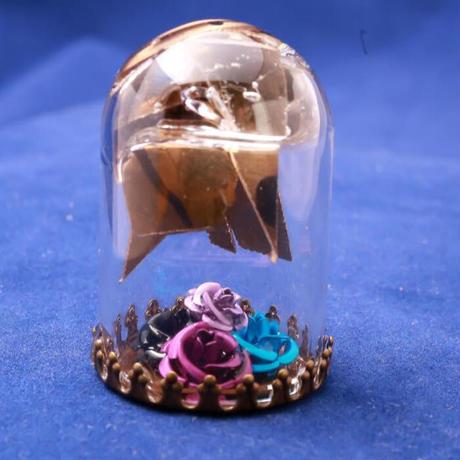 【Hiina Rose】/HINA割れシンバル使用! 卓上ガラスドーム・ペーパーウェイト(薔薇のカラー:ブルー/ブラック/パープル/ライラック)【一点もの】