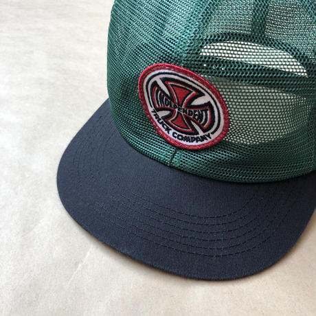 Independent mesh cap