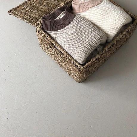 WHITE. knit