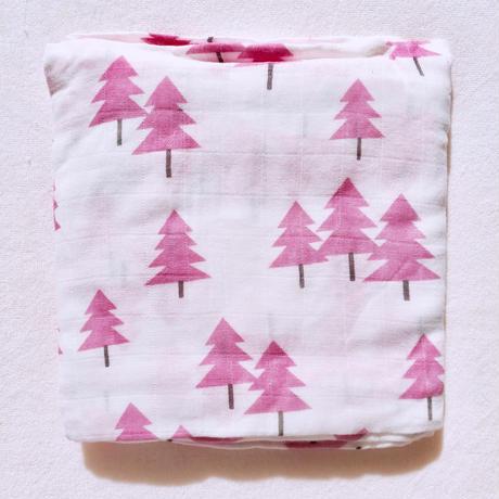 Tree print muslin blanket (pink)