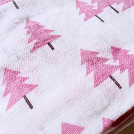 Tree print muslin blanket (pink) / ガーゼおくるみ