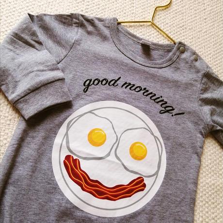 Breakfast plate baby onesie / 朝食プレートの目玉焼きオールインワンロンパース