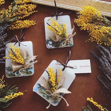 黄色のミモザブーケサシェ
