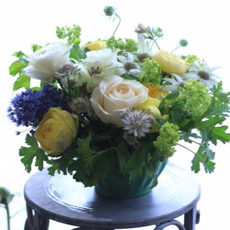 季節の花のおまかせアレンジメント