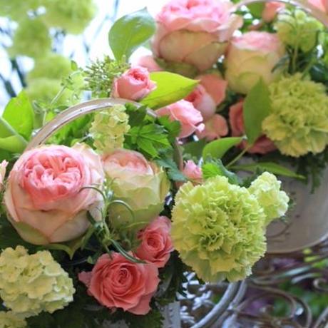 季節の花のおまかせアレンジメントpetit