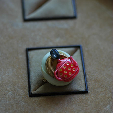 Tea pot Brooch