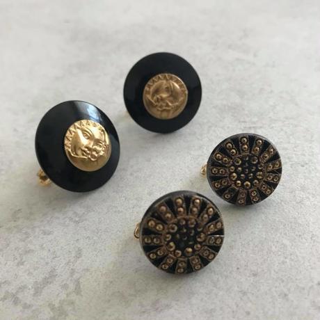 Classcial black earring