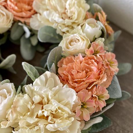 ピオニーとバラのリース  ホワイト&オレンジ