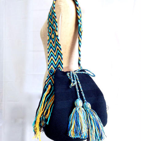 Wayuu Mochila Bag black solid Colombia ワユー バッグ ブラック wy-0003