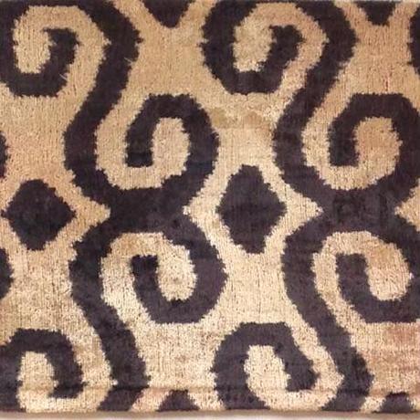 クッションカバー蔦ウズベキスタン 約33.5 x 42cm ベルベットイカット black velvet ikat cushion cover uzbekistan vi-0002