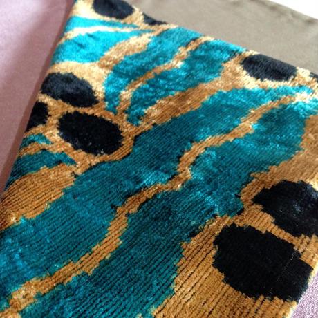 クッションカバー 水色ヤシ ウズベキスタン 約37 x 56cm ベルベットイカット palm tree velvet ikat cushion cover uzbekistan vi-0020